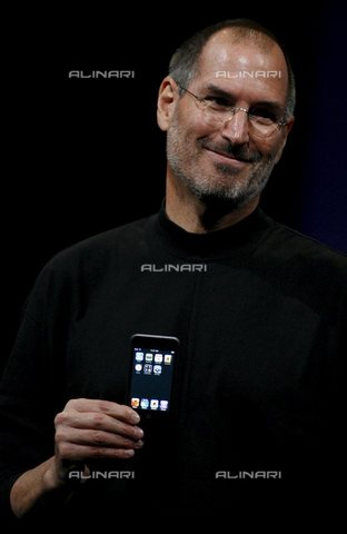 AAE-S-117440-3194 - Apple CEO Steve Jobs presents a new iPod line in San Francisco, California on September 5, 2007 - Data dello scatto: 05/09/2007 - Photo of EPA/MONICA M. DAVEY 2007 / © ANSA under licence Archivi Fratelli ALINARI