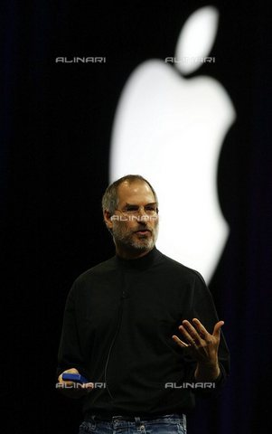 AAE-S-117473-3804 - Il CEO di Apple Steve Jobs durante il suo intervento al MacWorld Expo di San Francisco in California - Data dello scatto: 02/08/2004 - © ANSA su licenza Archivi Fratelli ALINARI, Foto di John G. Mabanglo, 2004