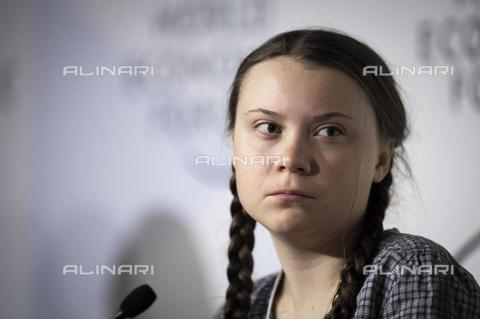 AAE-S-510155-5807 - Swedish climate activist Greta Thunberg, 16, speaks at a session of the 49th annual meeting of the World Economic Forum (WEF) in Davos, Switzerland, on 25 January 2019 - Data dello scatto: 25/01/2019 - EPA/GIAN EHRENZELLER / © ANSA under licence Archivi Fratelli ALINARI
