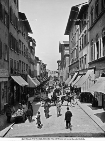 ACA-F-002520-0000 - Via dell'Ariento with shops