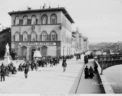 ACA-F-003108-0000 - View of Lungarno Corsini in Florence, with the Grand Hotel de New York