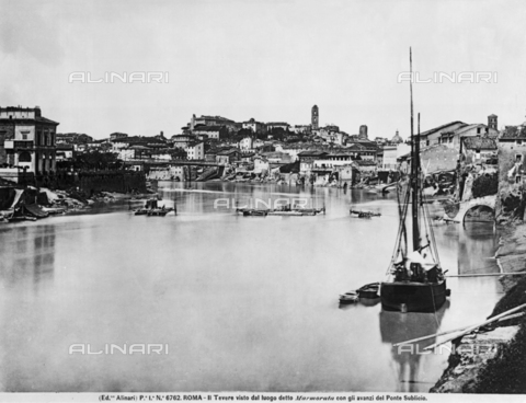 ACA-F-006762-0000 - View of Rome from the Tiber anciently called 'Marmorata'