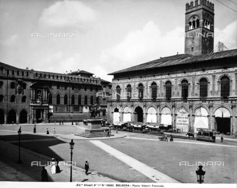 ACA-F-010683-0000 - Piazza Vittorio Emanuele in Bologna