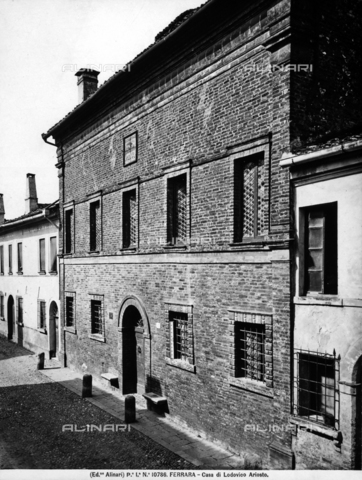 ACA-F-010786-0000 - View of the faà§ade of the house of Ludovico Ariosto in Ferrara.