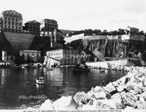 ACA-F-011636-0000 - Panorama of the Marina Piccola in Sorrento with the Hotel Europa and Hotel Vittoria