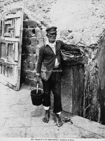 ACA-F-011649-0000 - A fishmonger in Naples