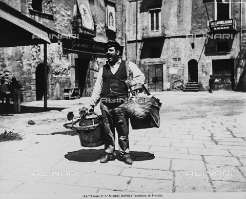 ACA-F-011657-0000 - Fritter seller in Naples