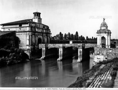 ACA-F-012323-0000 - Porta del Portello o Piccola Porta, Padova