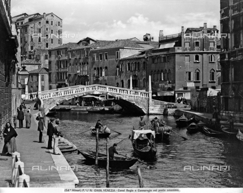 ACA-F-012409-0000 - View of Canal Regio (Cannaregio) with the bridge called Ponte delle Guglie