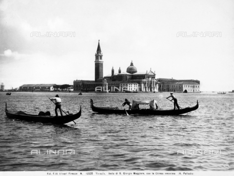 ACA-F-012528-0000 - Two gondolas in the Venice lagoon. In the background, the Island of San Giorgio Maggiore and the Church of San Giorgio Maggiore