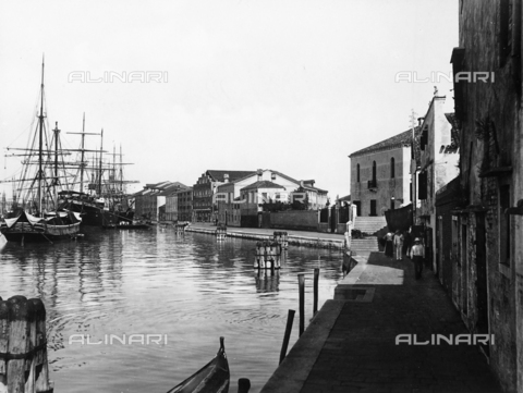 ACA-F-012529-0000 - The Giudecca Canal in Venice