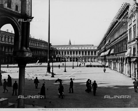 ACA-F-012628-0000 - Venice. Piazza S. Marco seen from the piazzetta de' Leoni