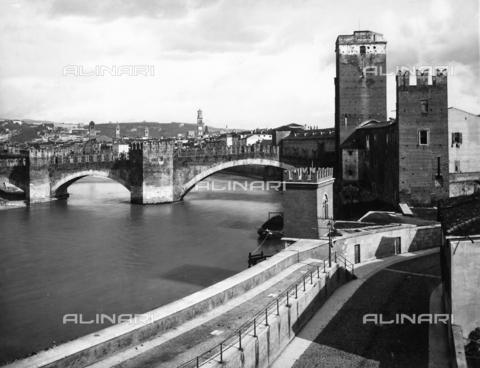 ACA-F-012731-0000 - Skaliger Bridge , Verona