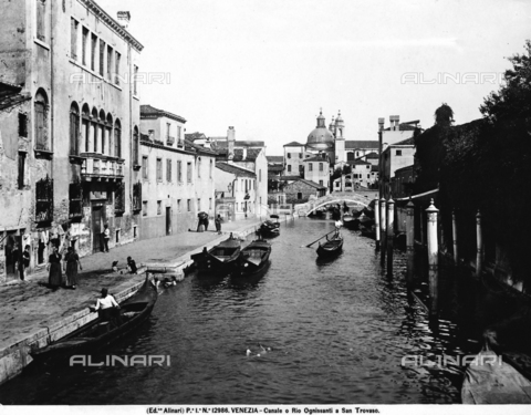 ACA-F-012986-0000 - View with people of the Rio Ognissanti in San Trovaso in Venice