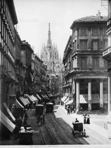 ACA-F-014222-0000 - View of Corso Vittorio Emanuele II in Milan. In the background, the cathedral is visible.