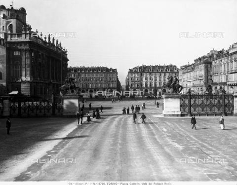 ACA-F-014796-0000 - View of Castello square at Turin, seen from the Royal Palace