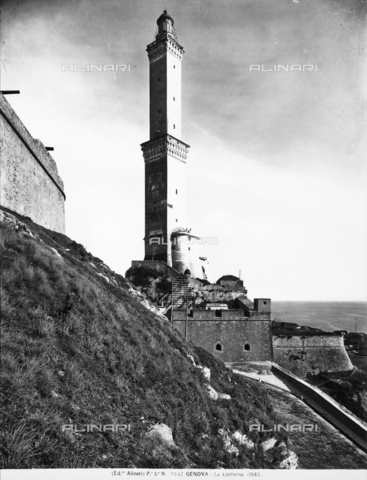 ACA-F-014942-0000 - View of the Genoa lighthouse called the Lantern