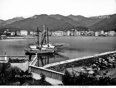 ACA-F-015223-0000 - The gulf and the touristic places in Rapallo, along the Genoese riviera