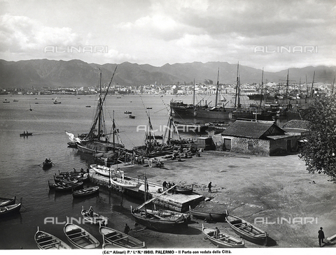 ACA-F-019610-0000 - Panorama of the port of Palermo