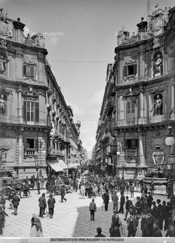 ACA-F-019613-0000 - View of Via Maqueda in Palermo