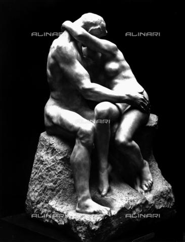 ACA-F-024195-0000 - Il bacio, opera di Auguste Rodin conservata al Museo Rodin a Parigi - Data dello scatto: 1920-1930 ca. - Archivi Alinari, Firenze