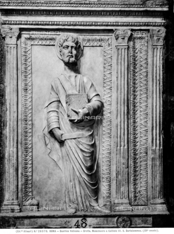 ACA-F-026370-0000 - Saint Bartholomew, high-relief fragment of the monument of Pope Callistus III, 15th century art, Vatican Grottoes, St. Peter's Basilica, Vatican City - Data dello scatto: 1920-1930 ca. - Archivi Alinari, Firenze