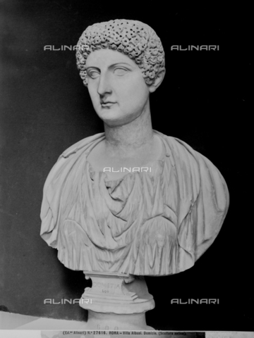 ACA-F-027616-0000 - Bust of the Empress Domitia, marble, Roman art of the first century, Museum of Villa Albani, Rome - Data dello scatto: 1920-1930 ca. - Archivi Alinari, Firenze