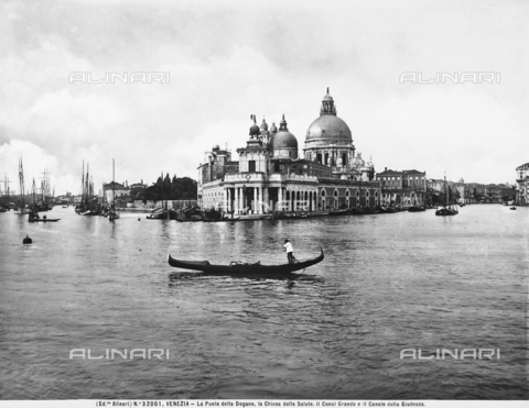 ACA-F-032001-0000 - Dogana da Mar, or Customs House, Venice