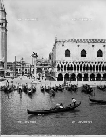 ACA-F-032014-0000 - Palazzo Ducale (Doge's Palace), Venice