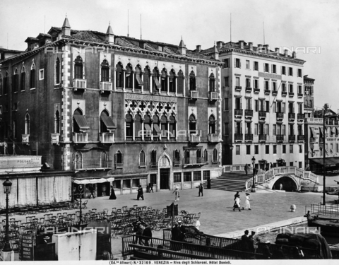 ACA-F-032169-0000 - Hotel Danieli, formerly Palazzo Dandolo, on the Schiavoni shore, Venice