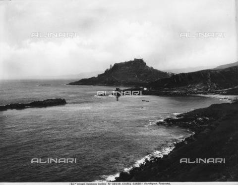 ACA-F-032530-0000 - Vittorio Alinari?s first trip: view of Castelsardo - Date of photography: 26/05 -12/06/1913 - Alinari Archives-Alinari Archive, Florence
