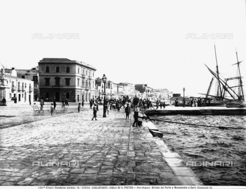 ACA-F-032554-0000 - View of the wharf of Carloforte, near Iglesias, in the province of Cagliari