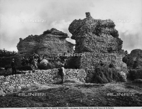 ACA-F-032572-0000 - View with people of the ruins of the Basilica, also called the Palace of King Barbaro, Porto Torres.