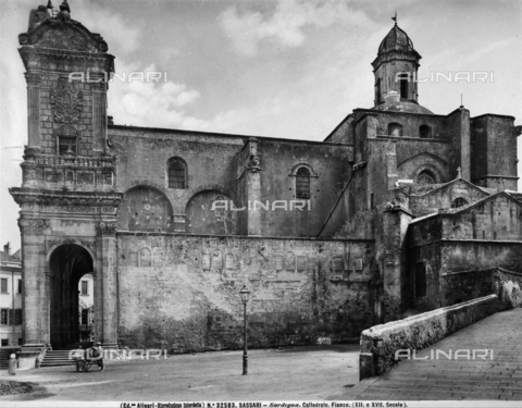 ACA-F-032583-0000 - Cathedral of San Nicola, side, Sassari.