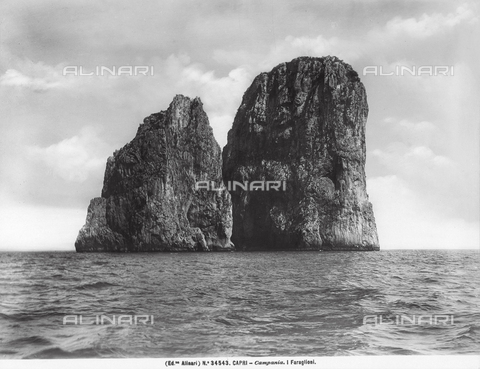 ACA-F-034543-0000 - The Faraglioni Rocks of Capri