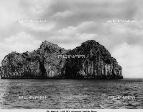 ACA-F-034544-0000 - The Scoglio del Monaco in Capri