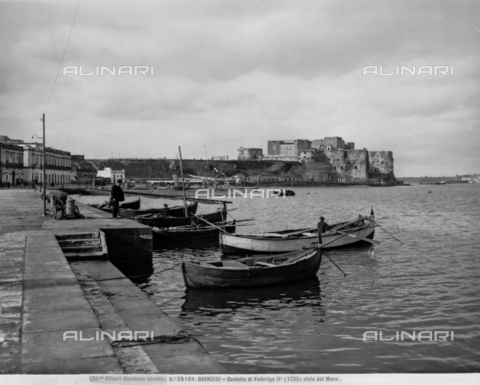 ACA-F-035104-0000 - View of the Port of Brindisi with moored booats. The Castle of Federico II is visible in the background.