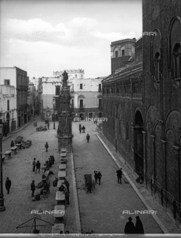 ACA-F-035222-0000 - Piazza Cattedrale in Bitonto