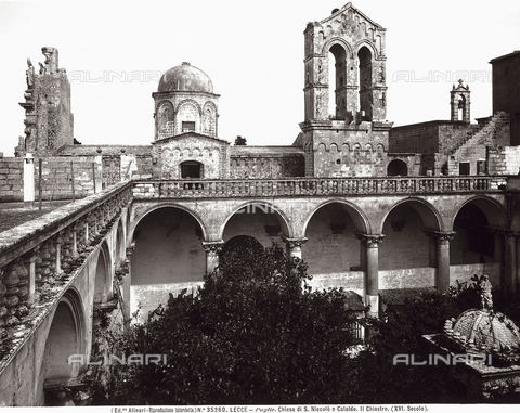 ACA-F-035260-0000 - Cloister, Church of Saints Nicholas and Cataldus in Lecce