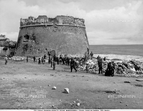ACA-F-035289-0000 - Castle of Manfredonia.
