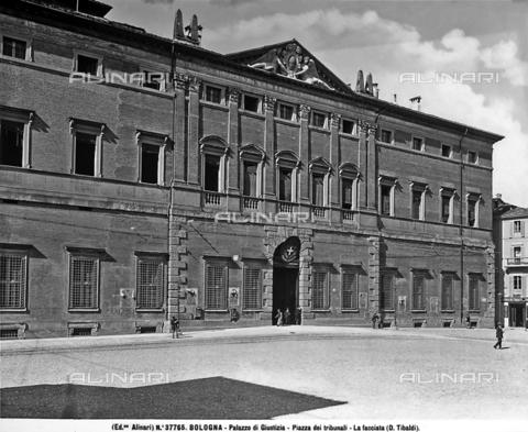 ACA-F-037765-0000 - Faà§ade, Palazzo Ruini, current Court House, Bologna.