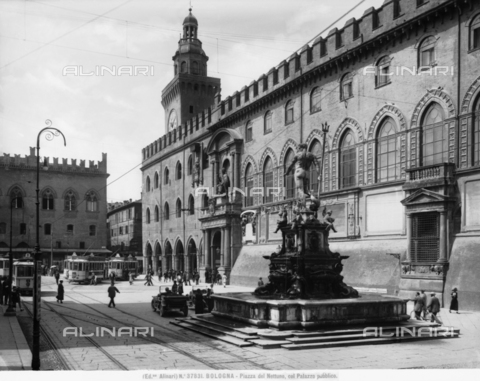 ACA-F-037831-0000 - Fountain of Neptune, or of the Giant, Piazza del Nettuno, Bologna