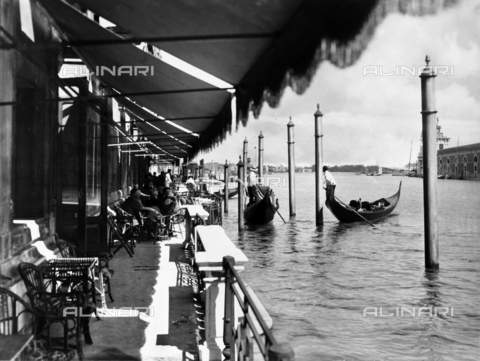 ACA-F-038954-0000 - The Grand Hotel terrace on the Grand Canal in Venice