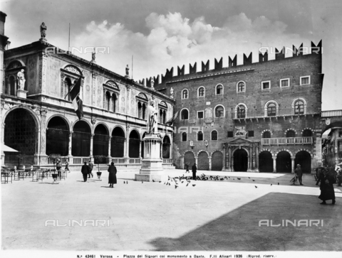ACA-F-043461-0000 - Loggia of the Council, Piazza dei Signori or Lords Square, Verona