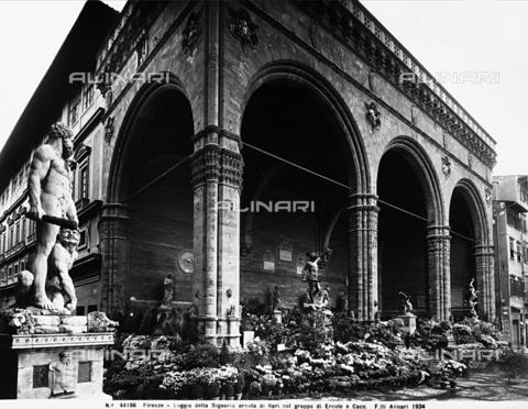 ACA-F-044186-0000 - Loggia della Signoria or Loggia dei Lanzi, Piazza della Signoria, Florence