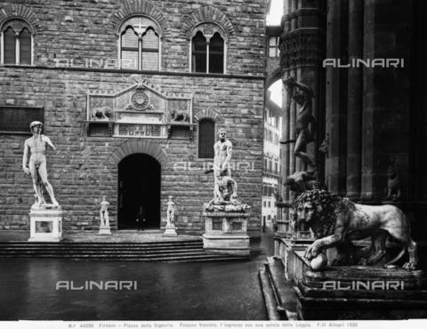 ACA-F-044234-0000 - Hercules and Cacus, Piazza della Signoria, Florence