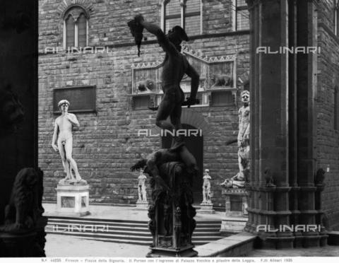 ACA-F-044235-0000 - Perseus, Loggia dei Lanzi, Florence