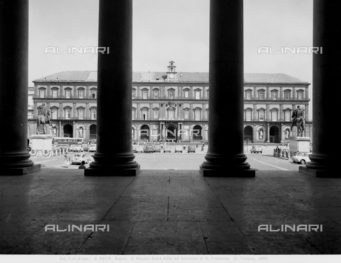 ACA-F-054719-0000 - Royal Palace, faà§ade, Piazza del Plebiscito, Naples