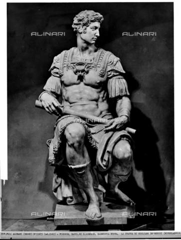 ACA-F-055675-0000 - Statue of Giuliano de'Medici, monument to Giuliano de'Medici, Duke of Nemours, New Sacristy, Medici Chapel, Basilica of San Lorenzo, Florence