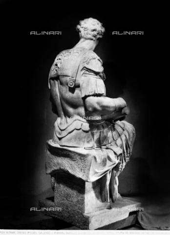 ACA-F-055681-0000 - Statue of Giuliano de'Medici, monument to Giuliano de'Medici, Duke of Nemours, New Sacristy, Medici Chapel, Basilica of San Lorenzo, Florence